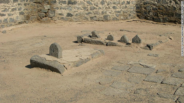 121119020633-saudi-heritage-al-baqi-cemetery-now-horizontal-gallery